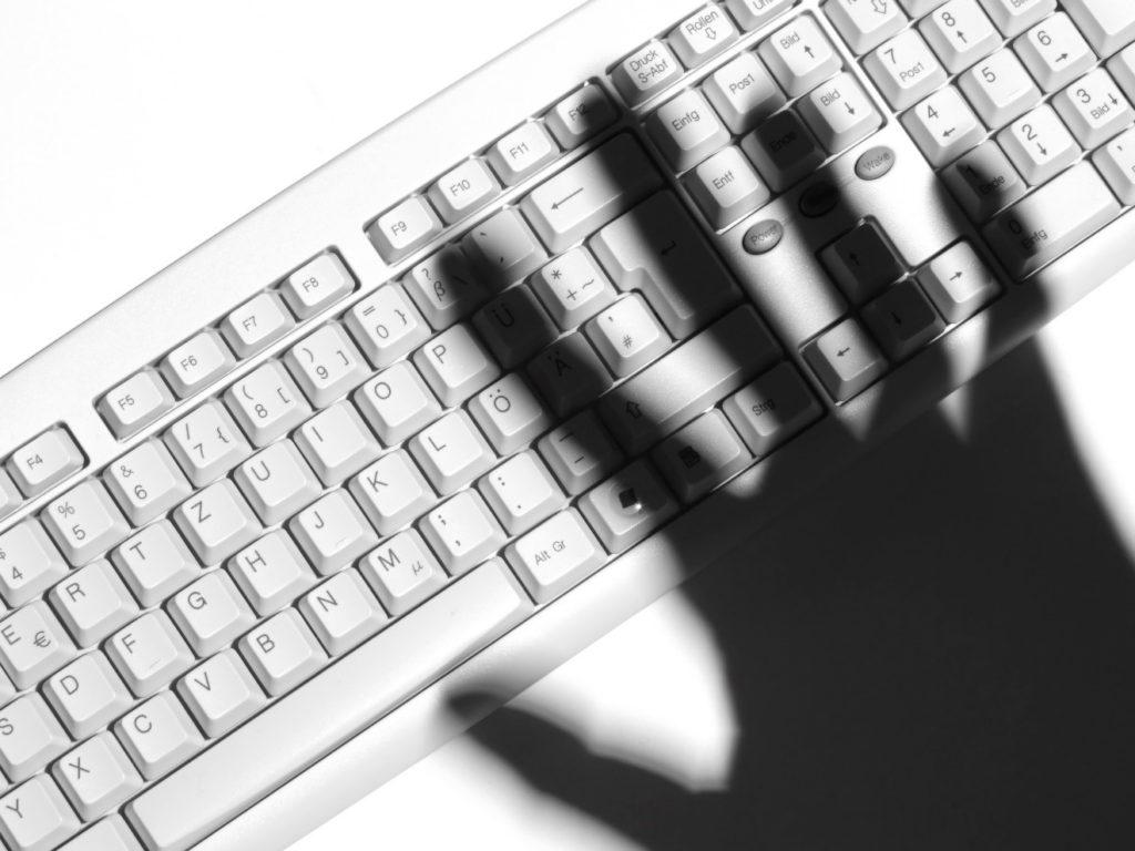 keyboard-shadow-of-hand